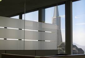 3 Best Ways to Remove Office Window Privacy Film